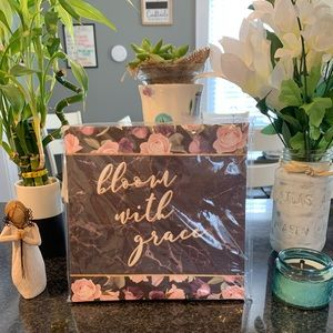 BLOOM WITH GRACE canvas wall art